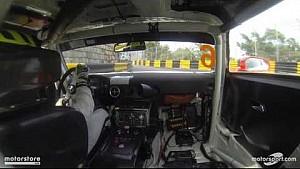 Onboard met Renger van der Zande door de straten van Macau.