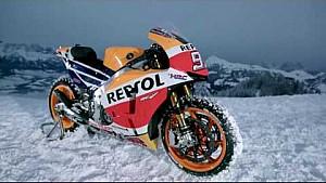 Marc Márquez anda na neve com Honda