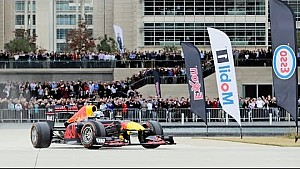 Daniel Ricciardo RB7 F1 en Houston