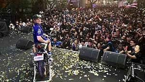 Maverick Viñales visite la Thaïlande