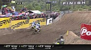MX2 Indonesia 2017: Carrera 1 - Duelo entre Jeremy Seewer y Hunter Lawrence
