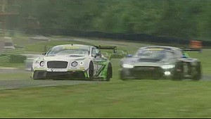 Crash: Hoogvlieger in Pirelli World Challenge