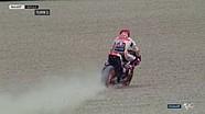 Marquez lolos dari gravel Mugello dalam gerak-lambat